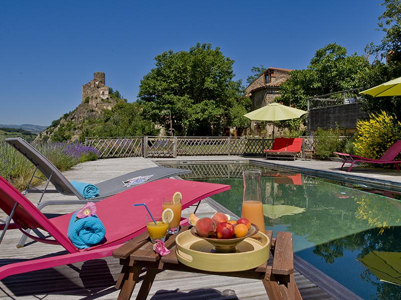 Chambre d 39 h tes en auvergne location avec piscine et for Auvergne gites avec piscine