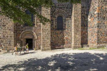 Eglise abbatiale du Monastier-sur-Gazeille, Edifice religieux, Pays du Velay, Haute-Loire, Auvergne