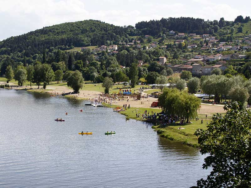 Aire Respirando d'Aurec-sur-Loire, baignade au Pays de la Jeune Loire, loisirs de pleine nature, Haute-Loire, Auvergne