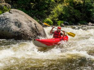Canoé, Kayak, sports d'eaux vives dans les Gorges de l'Allier au Pays de Lafayette, Haute-Loire, Auvergne