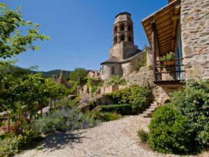 Clocher de l'Abbaye de Lavaudieu, patrimoine culturel et architectural, Haute-Loire, Auvergne