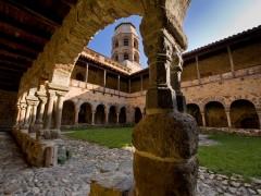 Abbaye et Cloître roman de Lavaudieu