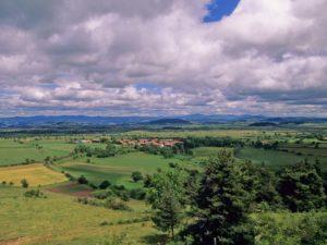 Le Plateau volcanique du Devès, espace naturel préservé, Les Gorges de l'Allier au Pays de Lafayette, Haute-Loire, Auvergne