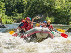 Rafting et Hot-dog , sports d'eaux vives dans les Gorges de l'Allier au Pays de Lafayette, Haute-Loire, Auvergne