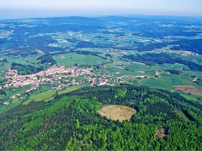 Le mont Bar près d'Allègre, volcan, Pays du Velay, Haute-Loire, Auvergne