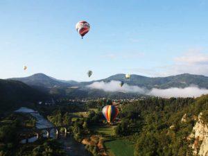 Vol en Montgolfière au dessus de Retournac, Loisirs de pleine nature, pays de la Jeune Loire, Haute-Loire, Auvergne
