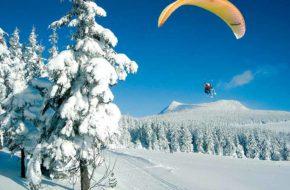 Parapente à ski aux Estables, Le Mézenc, Loisirs de pleine nature, Pays du Velay, Haute-Loire, Auvergne