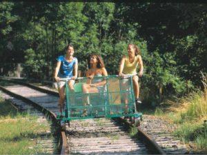Vélorail de Pradelles dans les Gorges de l'Allier au Pays de Lafayette, Haute-Loire, Auvergne