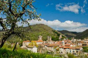 Le village de Blesle, village médiéval, Haute-Loire, Auvergne