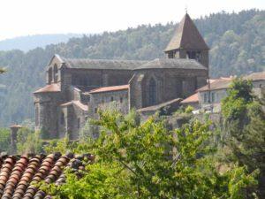 Abbaye bénédictine de Chanteuges, église et cloître, Haute-Loire, Auvergne
