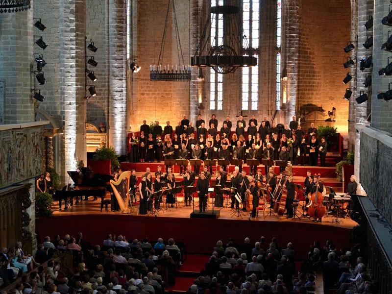 L 39 abbaye de la chaise dieu et son festival de musique for Camping municipal les prades la chaise dieu