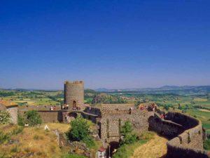 Tour et vestiges de la forteresse de Polignac, Haute-Loire, Auvergne