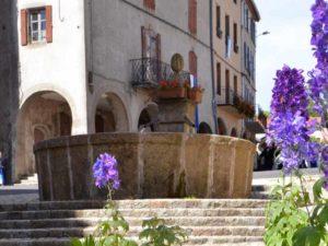Fontaine du Melon, village de Pradelles, Haute-Loire, Auvergne