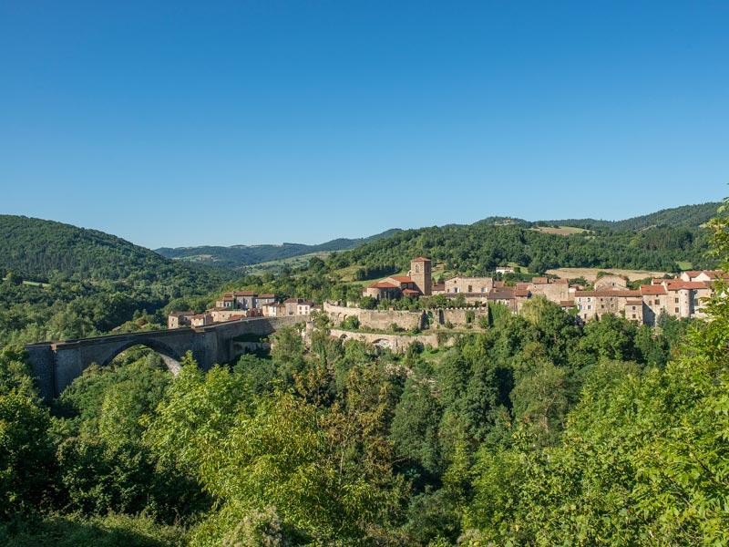 Village de Vieille Brioude, plaine de la Limagne, Les Gorges de l'Allier au Pays de Lafayette, Haute-Loire, Auvergne