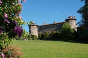 Bouger, A pied, Grandes randonnées,GRP® – Robe de Bure et Cotte de Mailles, Chateau de Chavaniac-Lafayette, Haute-Loire, Auvergne