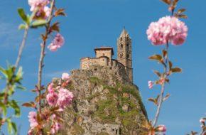 Bouger, A pied, Grandes randonnées, GR®300 – Le chemin de Saint-Michel, itinéraires culturels européens, Haute-Loire, Auvergne