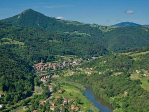 Bouger, A pied, Grandes randonnées, GRP® – Gorges de la Loire Sauvage, chemins de TER', Haute-Loire, Auvergne