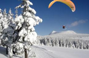 Bouger, sports d'hiver, Parapente à ski aux Estables, Mézenc, Haute-Loire, Auvergne