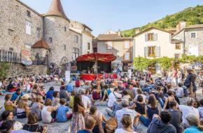 Blesle et son abbaye, villes et villages fleuris, Haute-Loire, Auvergne
