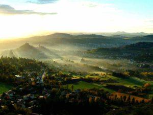 Vue sur Le Puy-en-Velay, villes et villages fleuris, Haute-Loire, Auvergne