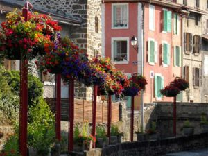 Vals-près-le Puy, villes et villages fleuris, Haute-Loire, Auvergne