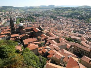 Vue sur Le Puy-en-Velay - 3 fleurs, villes et villages feluris, Haute-Loire, Auvergne