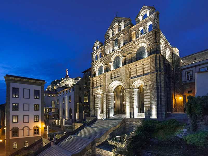 Hotel dieu au Puy-en-Velay, monument classé par l'UNESCO au patrimoine mondial de l'Humanité, musée interactif, Pays du Velay, Haute-Loire, Auvergne
