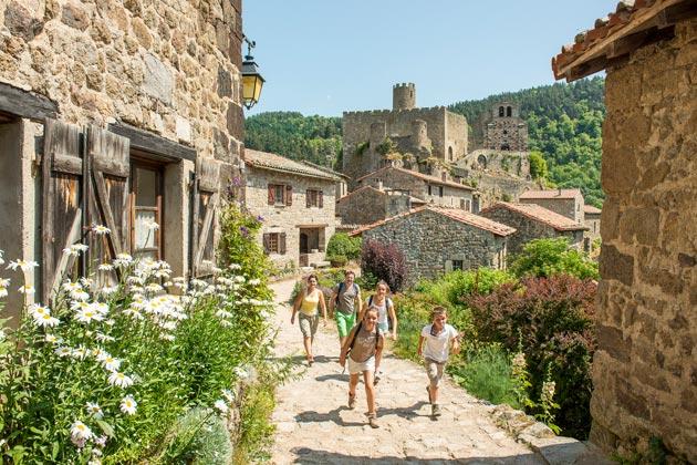Jeune loire haute vall e de la loire yssingeaux et tourisme en haute loire auvergne - Office tourisme haute loire ...