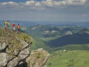 Mont Mezenc, Boucle moto à la journée : La route de l'angle en Velay, Haute-Loire, Auvergne