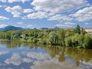 Village de Chilhac, Boucle moto à la journée : Les lacets du Brivadois, Haute-Loire, Auvergne
