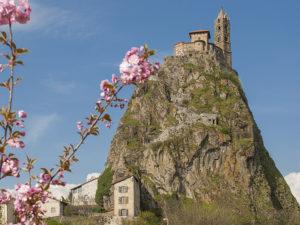 Chapelle Saint-Michel-d'Aiguilhe au Puy-en-Velay, Boucle moto à la journée, Haute-Loire, Auvergne
