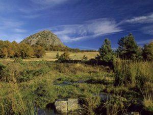 Mont Gerbier-de-Jonc, Boucle moto à la journée : La route de l'angle en Velay, Haute-Loire, Auvergne