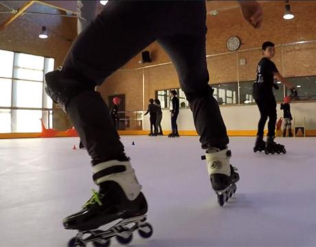 Une patinoire sans glace mais qui glisse pareil en Haute-Loire !