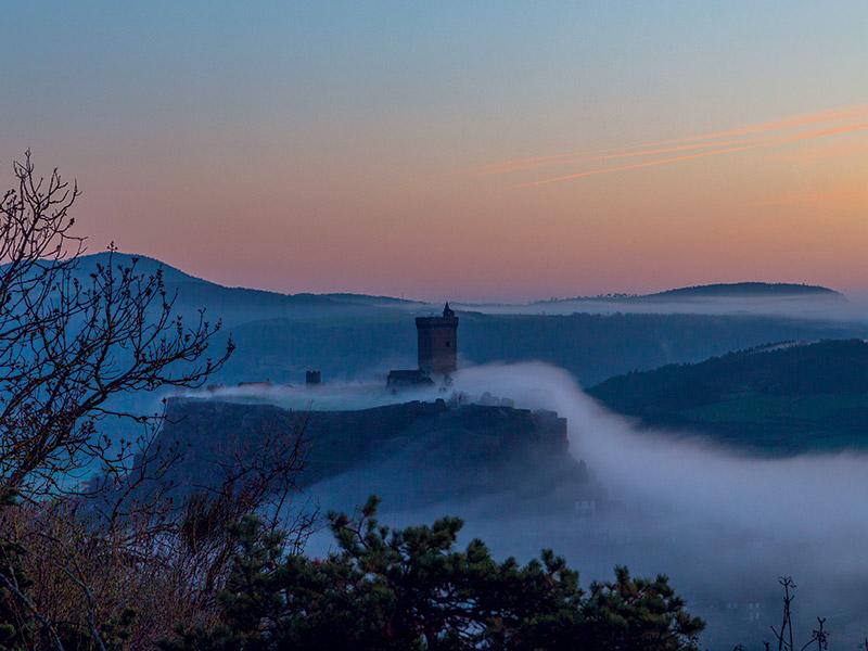 Les châteaux d'Ecosse à la Forteresse de Polignac ou au château de Lavoûte-sur-Loire