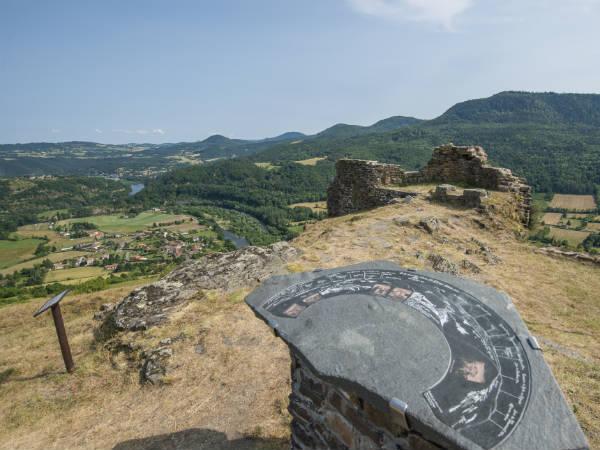 Panorama  du château d'Artias