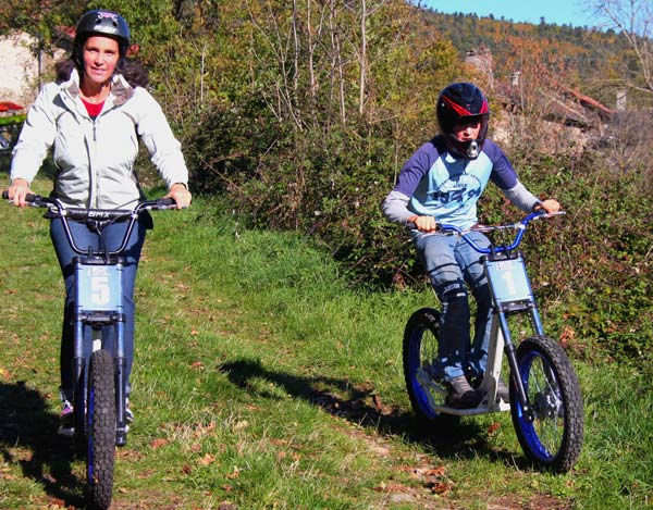 Descente-dirt-scoot-J.-Feybeysse—Ecole-de-Pagaie-du-Velay-3-WEB