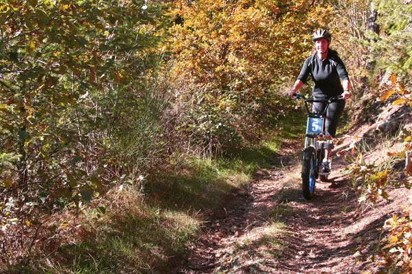 Descente-dirt-scoot-J.-Feybeysse—Ecole-de-Pagaie-du-Velay-2-WEB