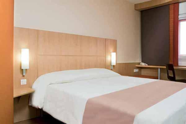 Ibis chambre 2