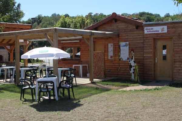 bar-et-terrasse-camping-de-Lempdes