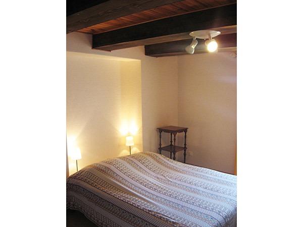 meubl n 91150 meubl s et g tes saint tienne sur blesle auvergne vacances. Black Bedroom Furniture Sets. Home Design Ideas