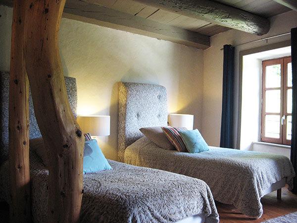 Art et creation chambre d 39 h tes saint b rain auvergne vacances - Creation chambre d hote ...