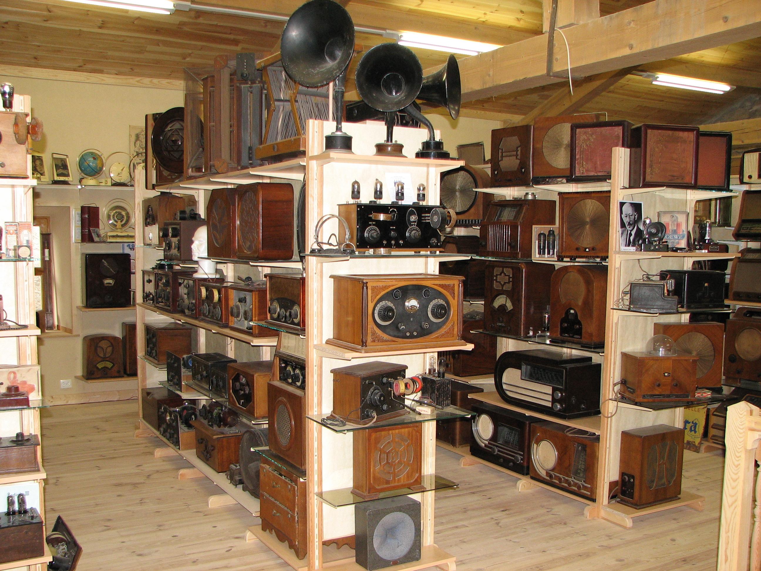 Musée de la Radio et des jeux électroniques, Saint-Victor-sur-Arlanc, Pays du Velay, Haute-Loire, Auvergne