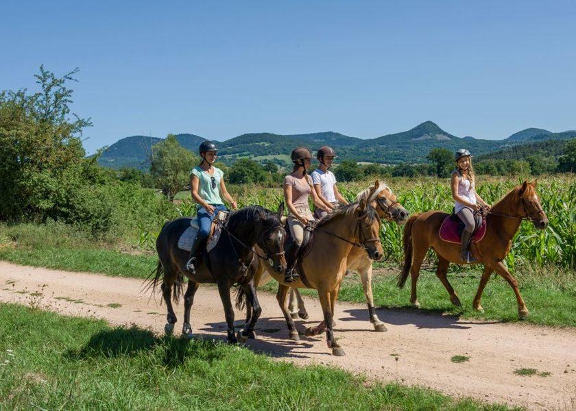 ACT_Equitation-au-centre-equestre-l-etoire_Beaulieu_Luc-Olivier