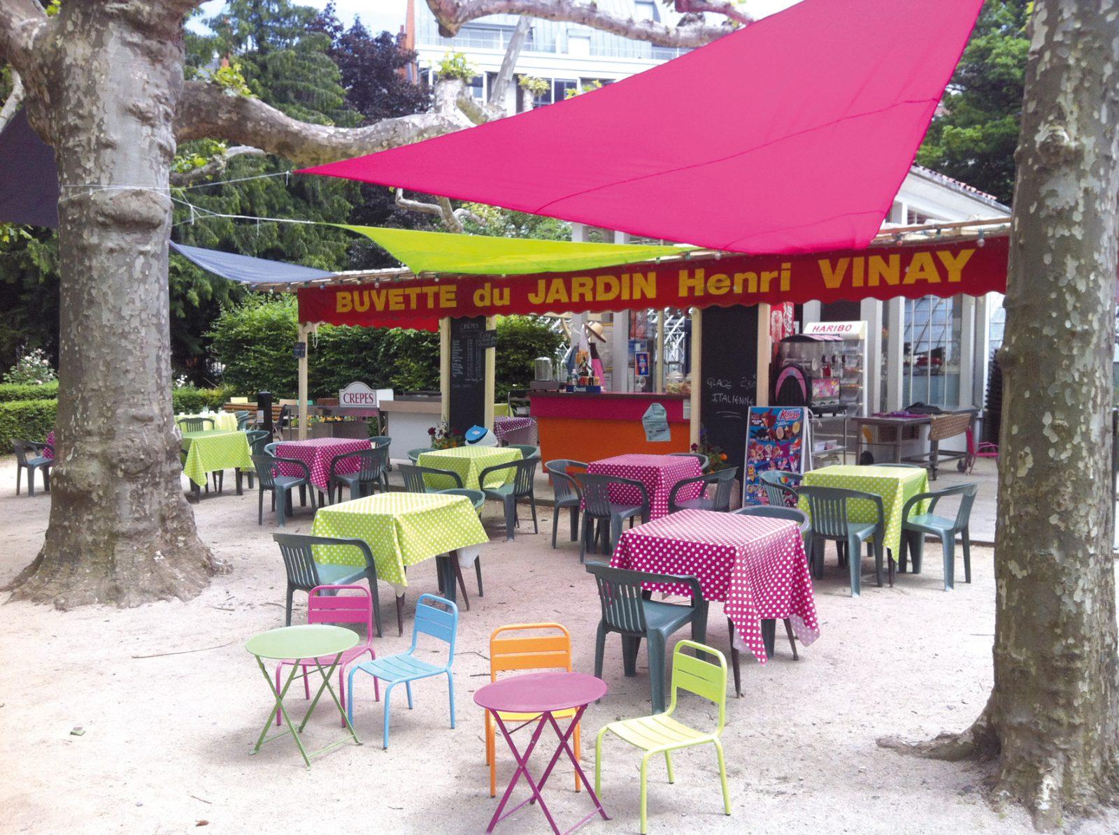 Buvette du jardin henri vinay restaurants auvergne for Le jardin henri vinay