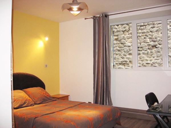 mme mamassian chambres d 39 h tes chambre d 39 h tes le puy en velay auvergne vacances. Black Bedroom Furniture Sets. Home Design Ideas