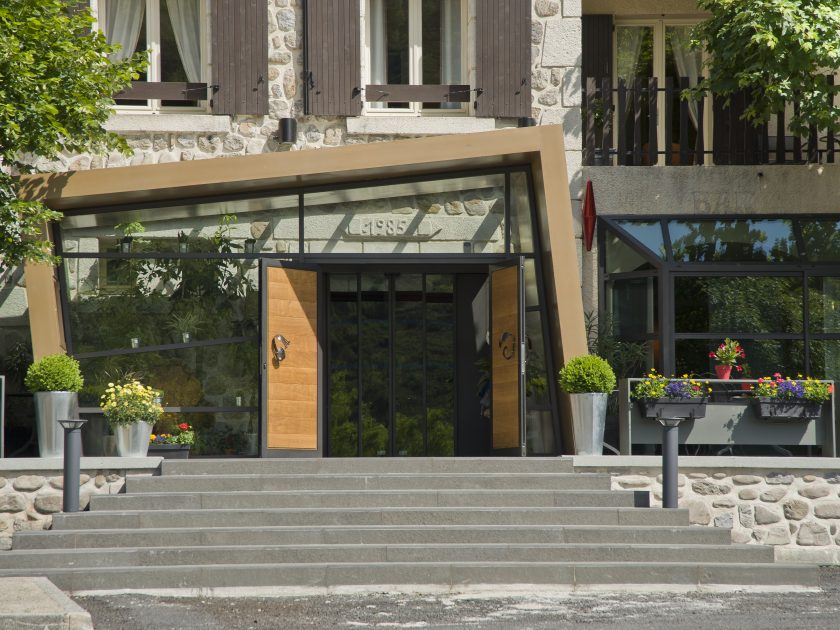 SEJ_Auvergne du Sud_vue extérieure de l'hôtel