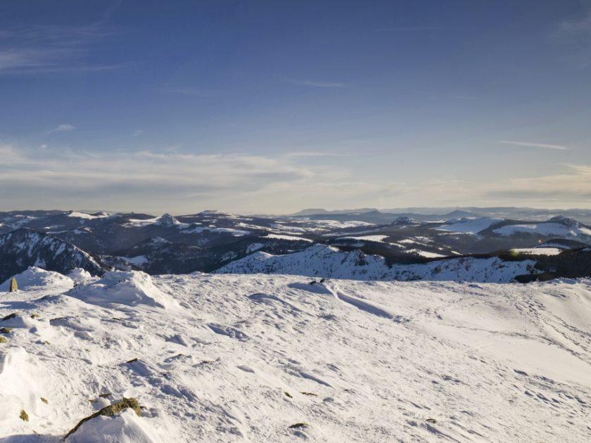 SEJ_Reveillon Fin d'Annee-Sejour Raquette, Ski de Fond, Biathlon_raquettes au sommet du Mézenc