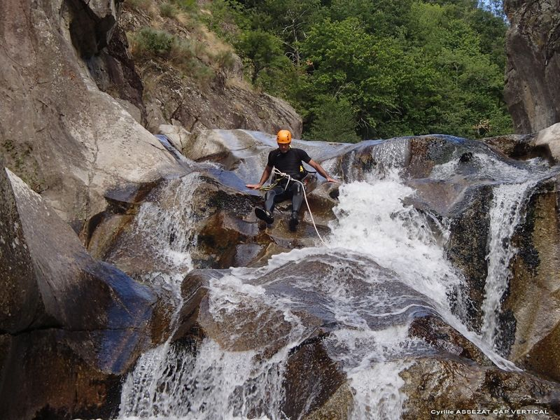 ACT_Canyoning-du-rouchoux_cap-vertical_saint-privat-d-allier_velay