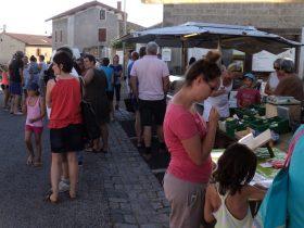 Marché d'été à Boisset