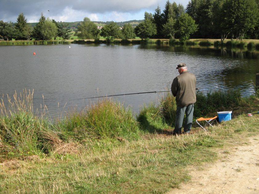 Plan_d'eau_Lachamp_Saugues_pêche